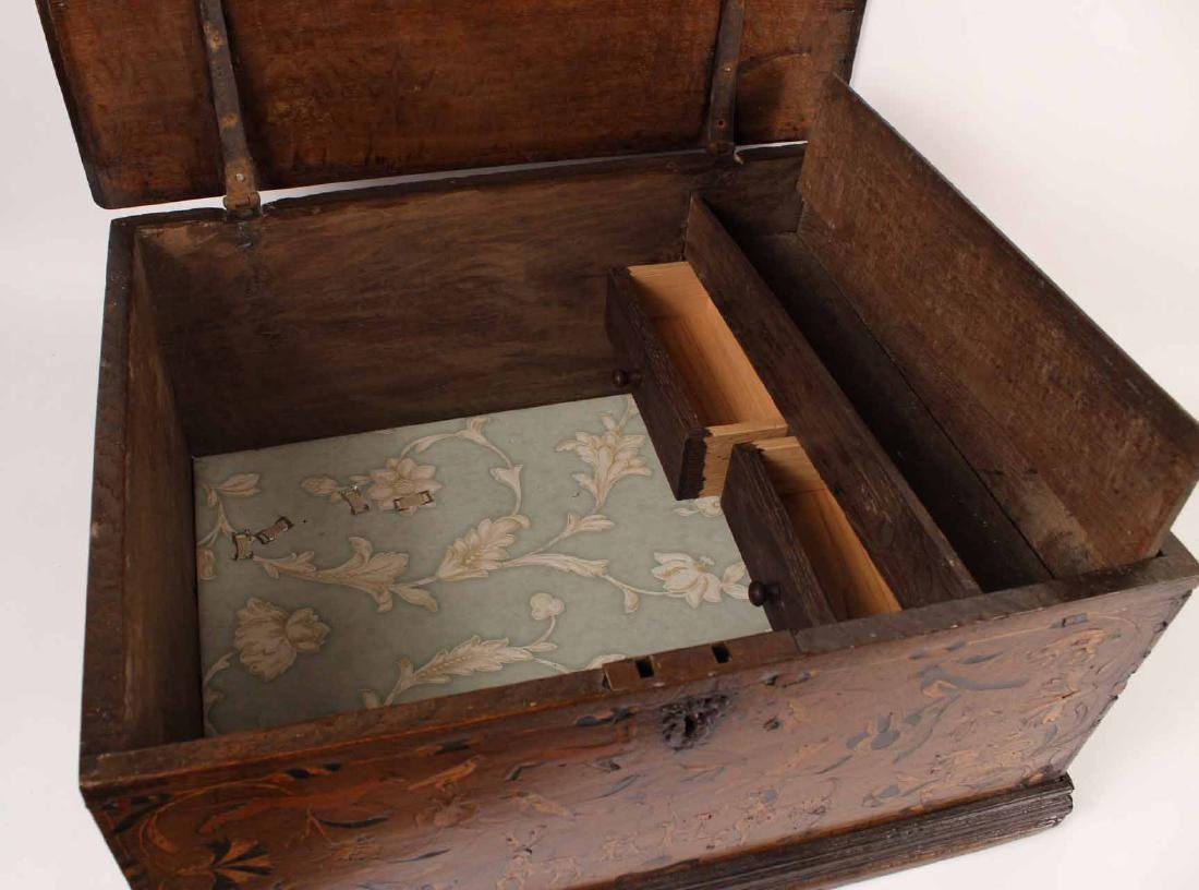 William and Mary Marquetry Oak Box - 10