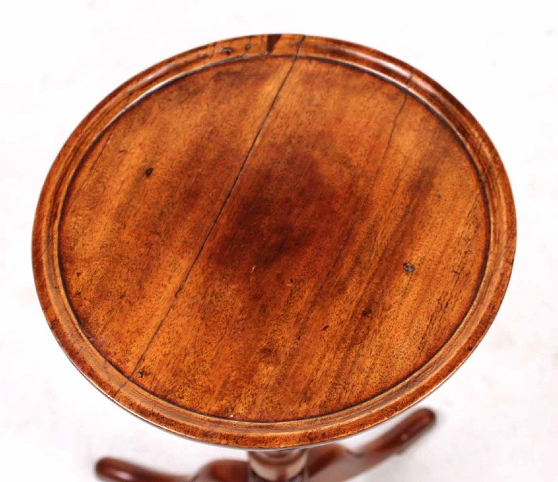 Queen Anne Style Mahogany Candlestand - 2