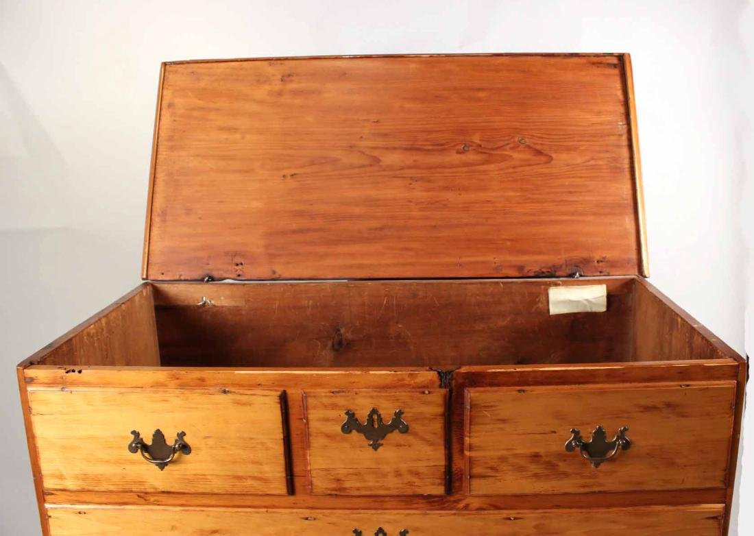 Queen Anne Pine Blanket Chest Over Drawers - 10