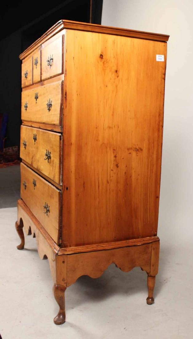Queen Anne Pine Blanket Chest Over Drawers - 3