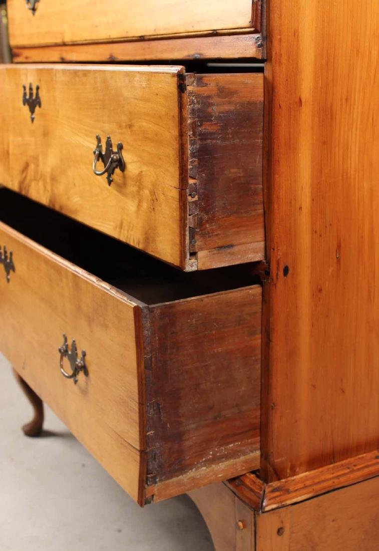 Queen Anne Pine Blanket Chest Over Drawers - 4