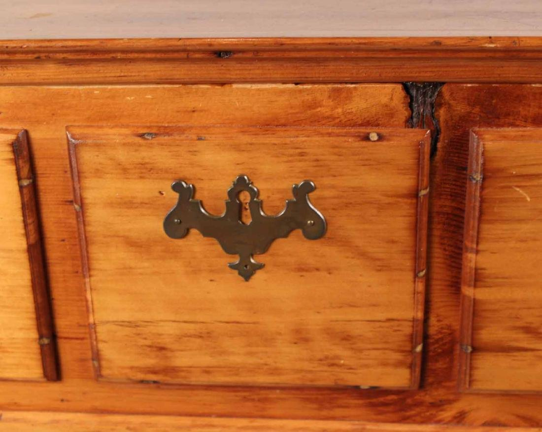 Queen Anne Pine Blanket Chest Over Drawers - 5
