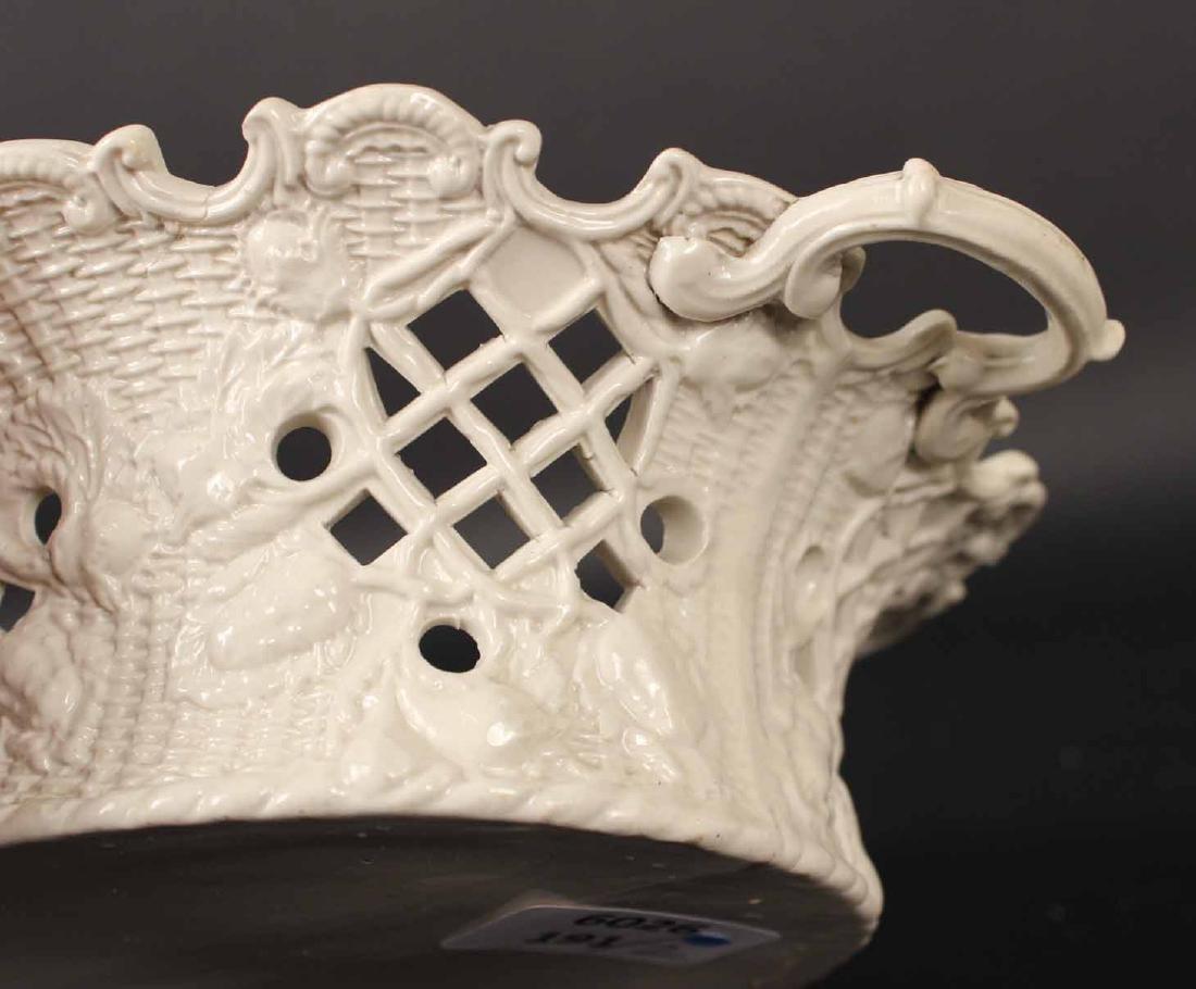 Pair of Staffordshire Salt-Glazed Oval Baskets - 4
