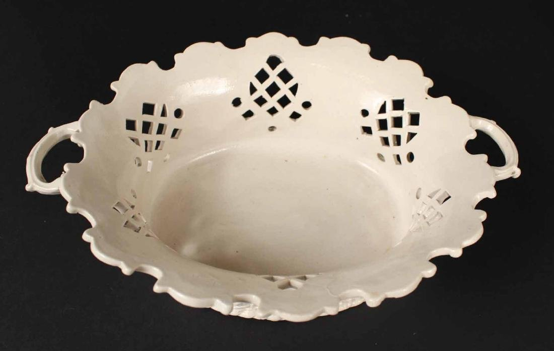 Pair of Staffordshire Salt-Glazed Oval Baskets - 5