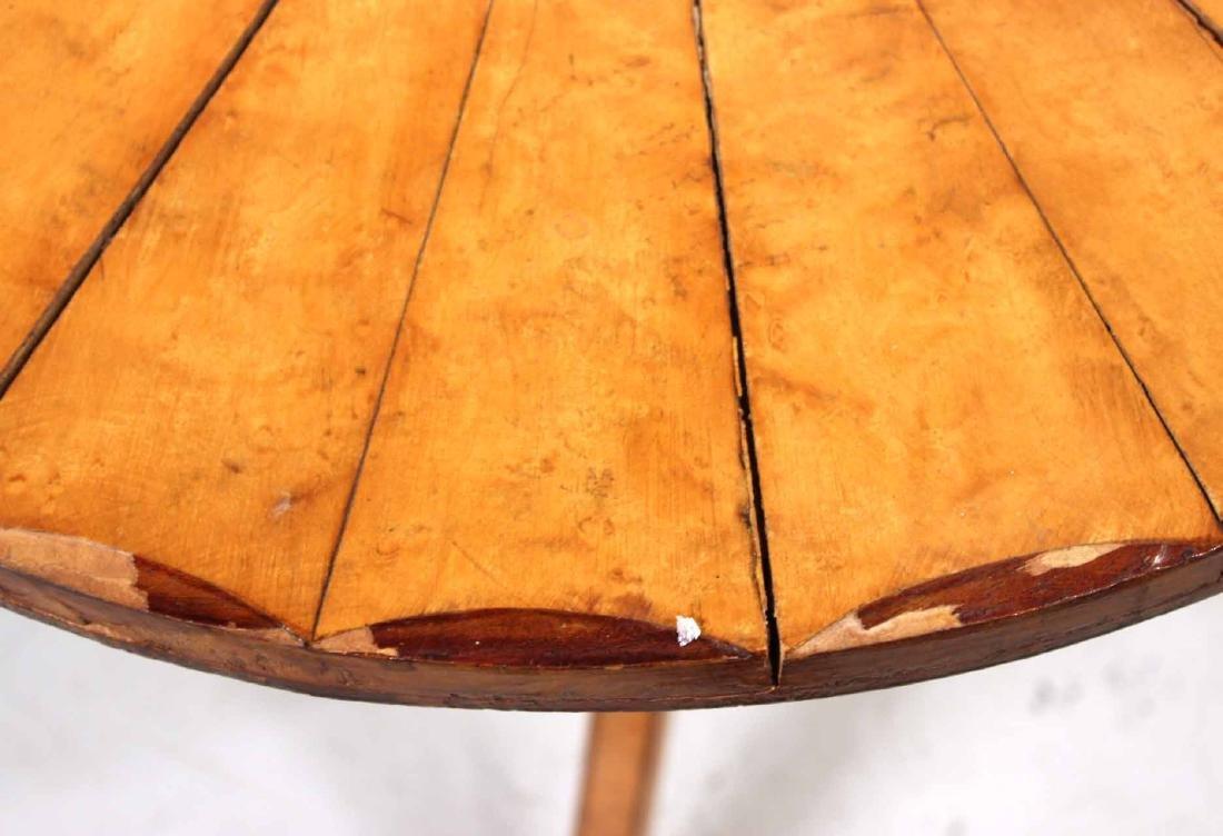 George III Satinwood and Mahogany Tea Table - 3