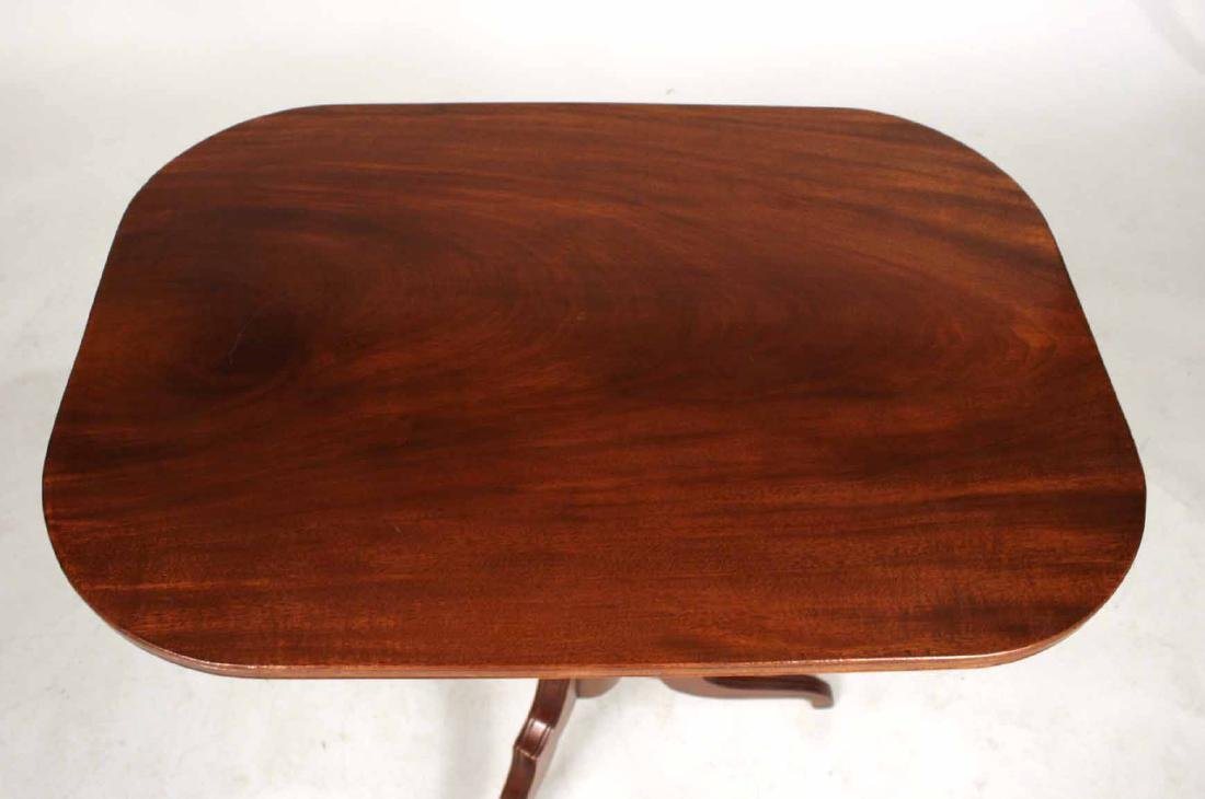 Late Federal Carved Mahogany Tilt-Top Candlestand - 4