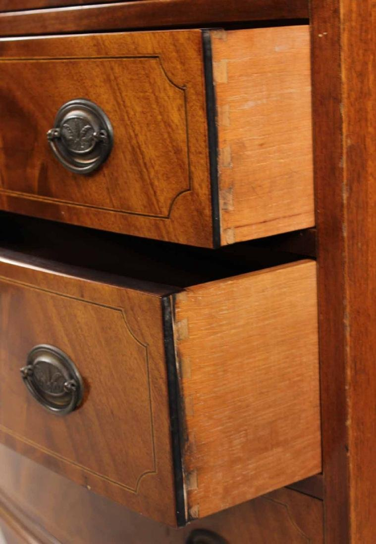 Federal Style Mahogany Bow Front Chest - 4