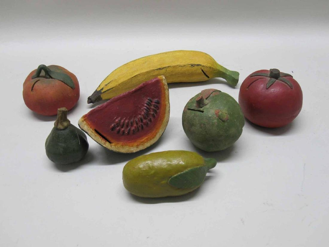 ASSORTED CERAMIC FRUIT AND VEGETABLES