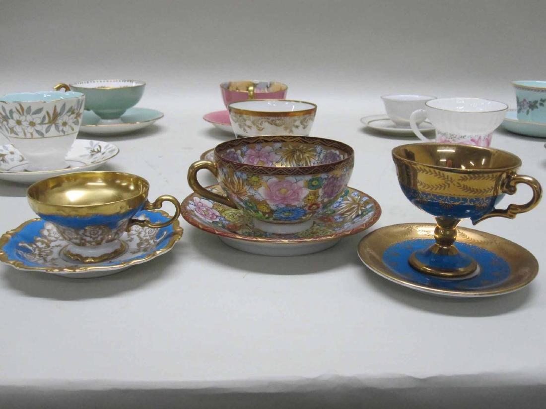 LARGE ASSORTED GROUP OF PORCELAIN TEA CUPS