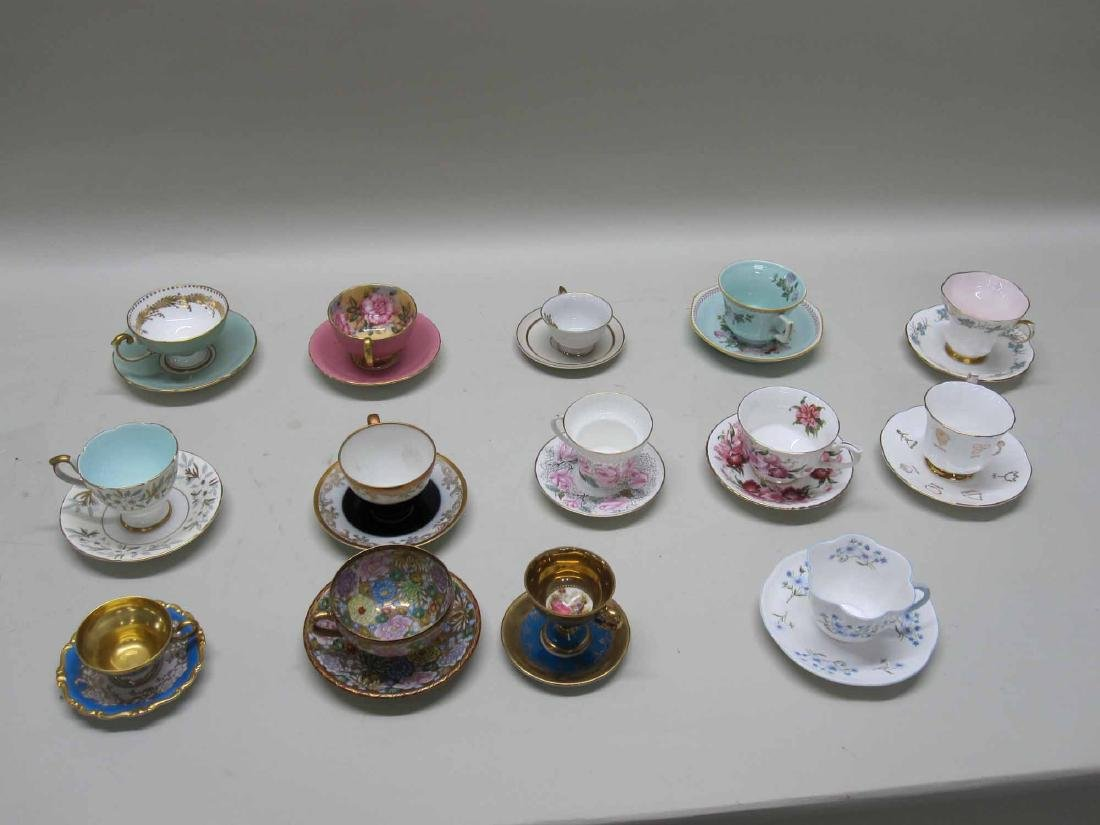 LARGE ASSORTED GROUP OF PORCELAIN TEA CUPS - 2