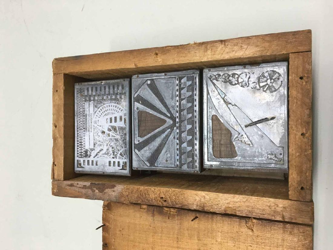 VINTAGE BOX OF PRINTERS BLOCKS