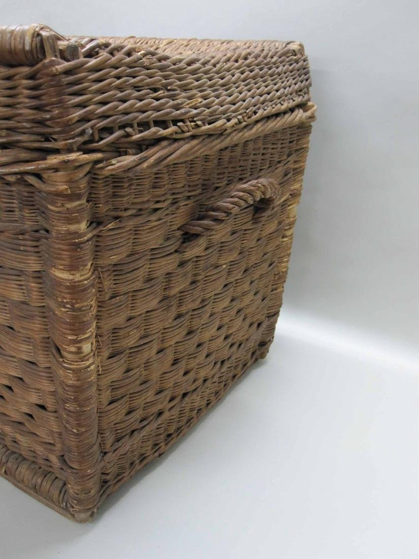 LARGE WICKER BASKET TRUNK - 3