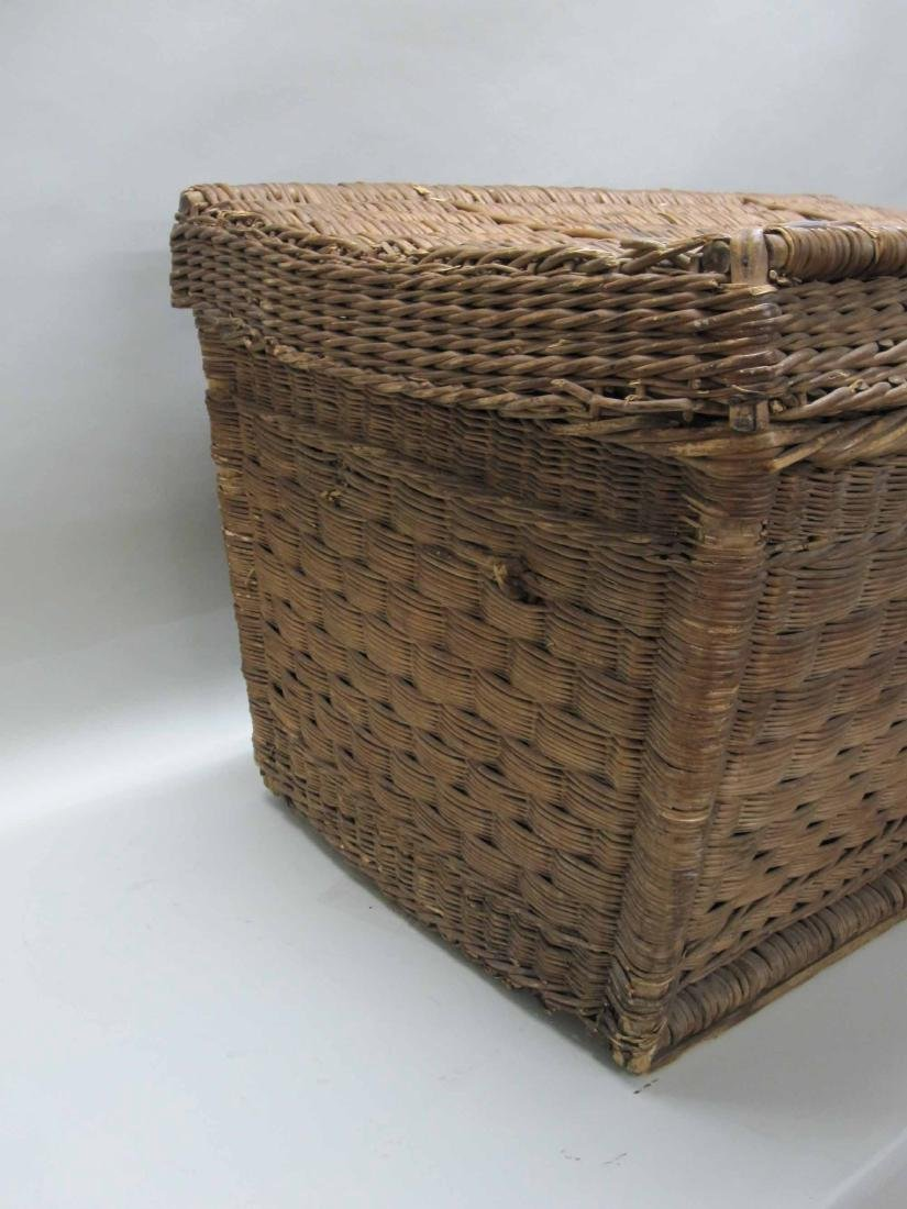 LARGE WICKER BASKET TRUNK - 5