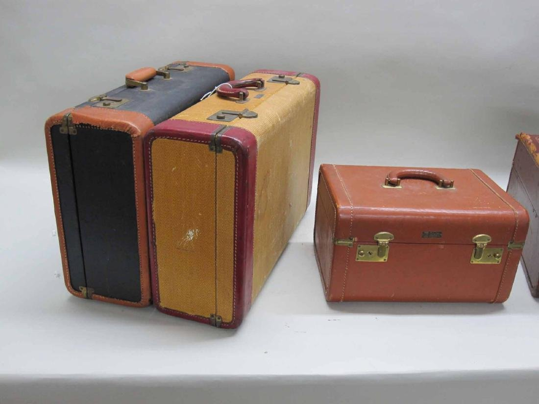 GROUP OF ASSORTED VINTAGE LUGGAGE
