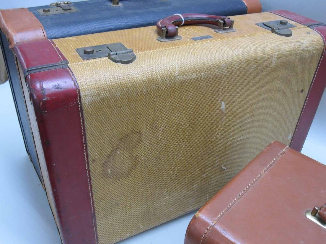 GROUP OF ASSORTED VINTAGE LUGGAGE - 4