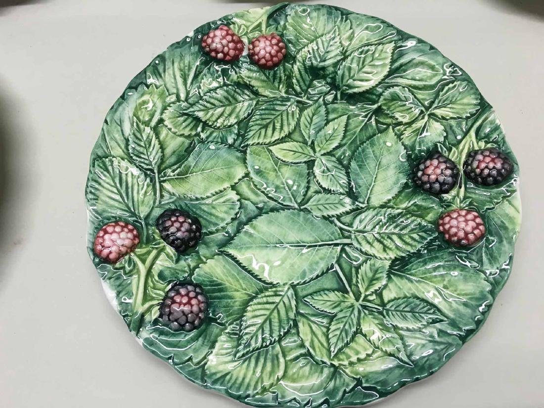 GROUP OF ASSORTED ITALIAN PLATES - 2