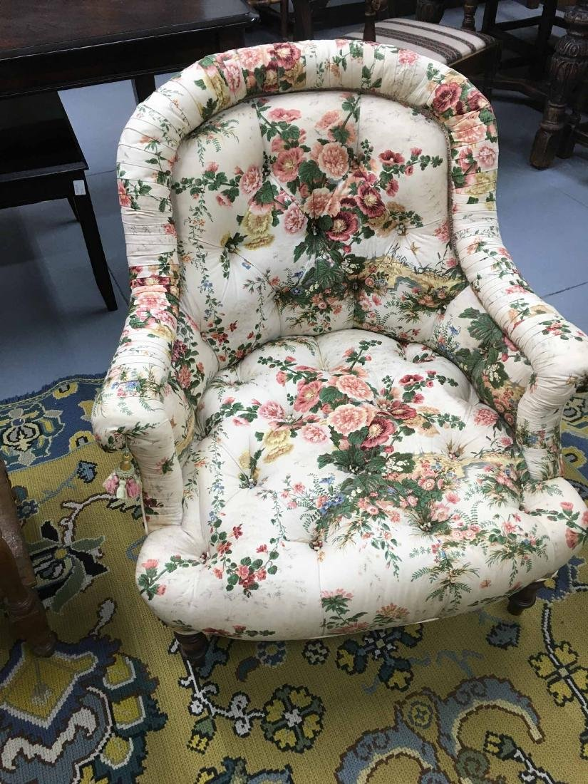 VICTORIAN STYLE UPHOLSTERED TUB CHAIR