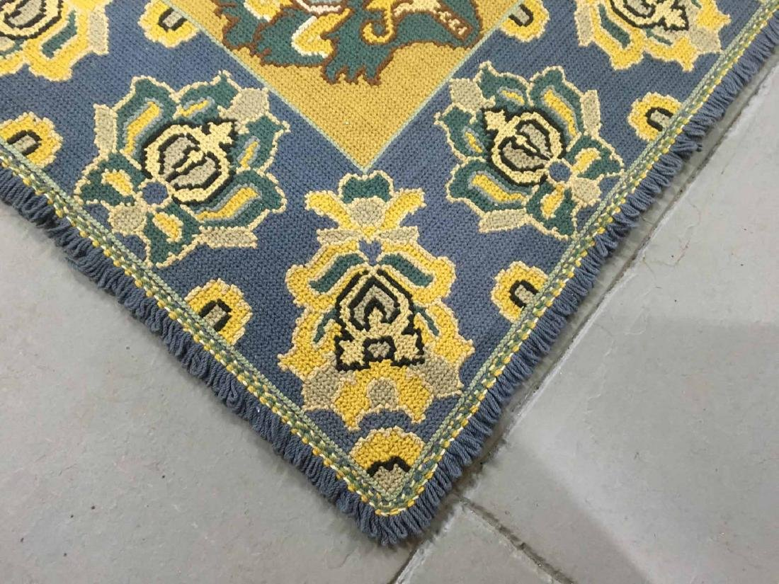 ROOM SIZE HOOKED RUG - 3