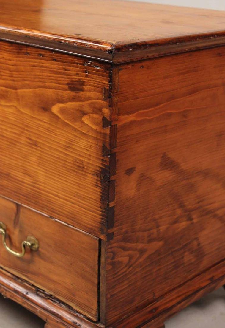 FEDERAL STAINED PINE BLANKET CHEST - 3