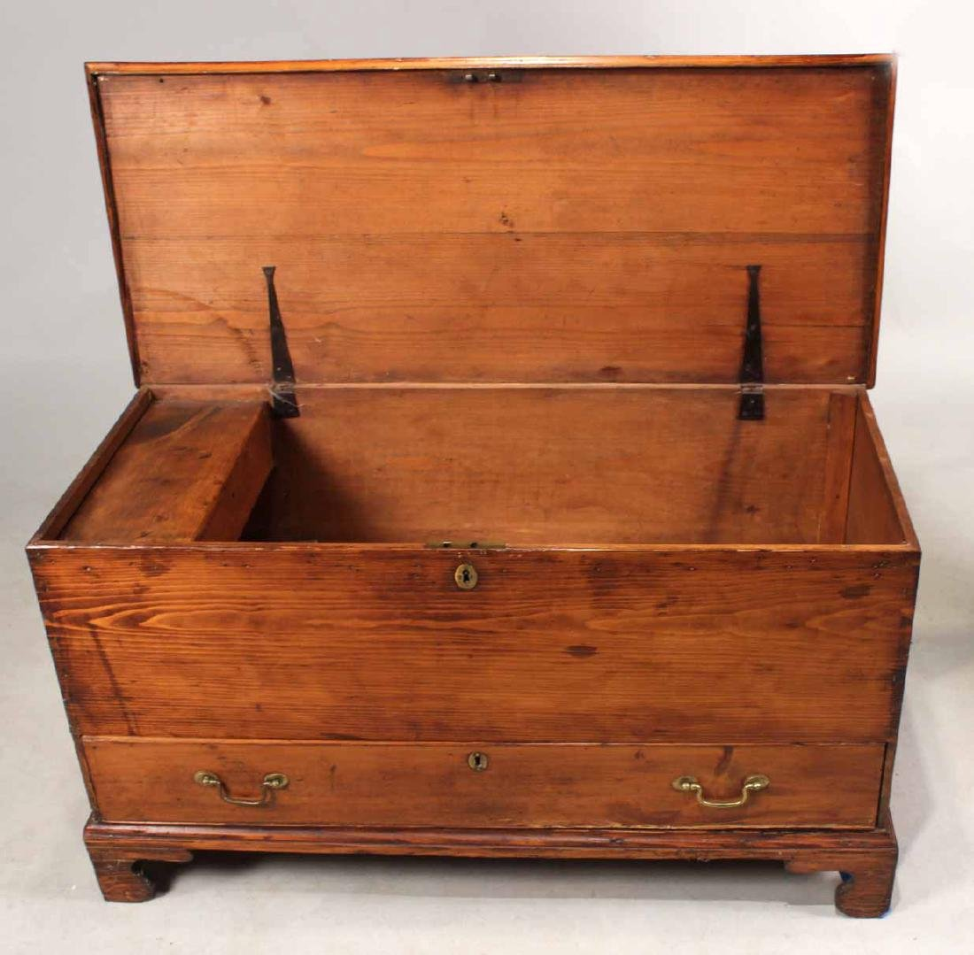 FEDERAL STAINED PINE BLANKET CHEST - 9