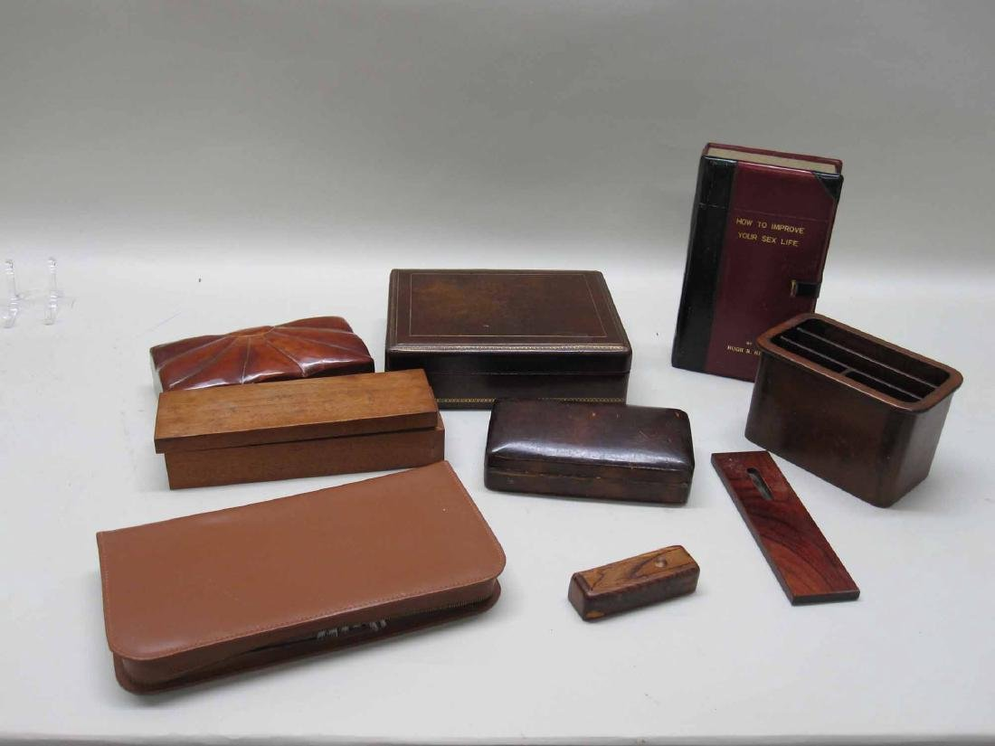 GROUP OF ASSORTED DESK TOP ARTICLES
