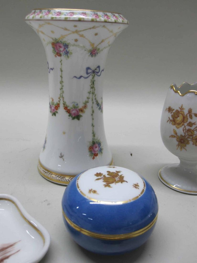 GROUP OF ASSORTED PORCELAIN TABLE ARTICLES - 3