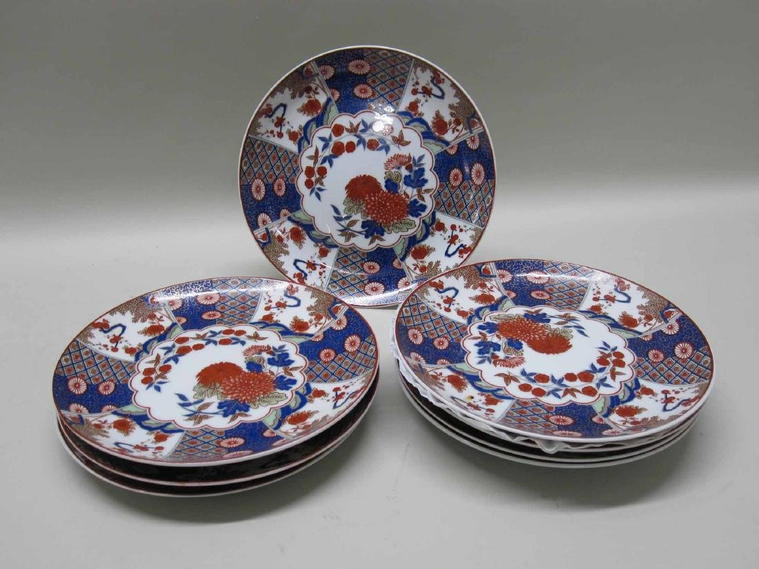SET OF EIGHT ORIENTAL STYLE PLATES - 3