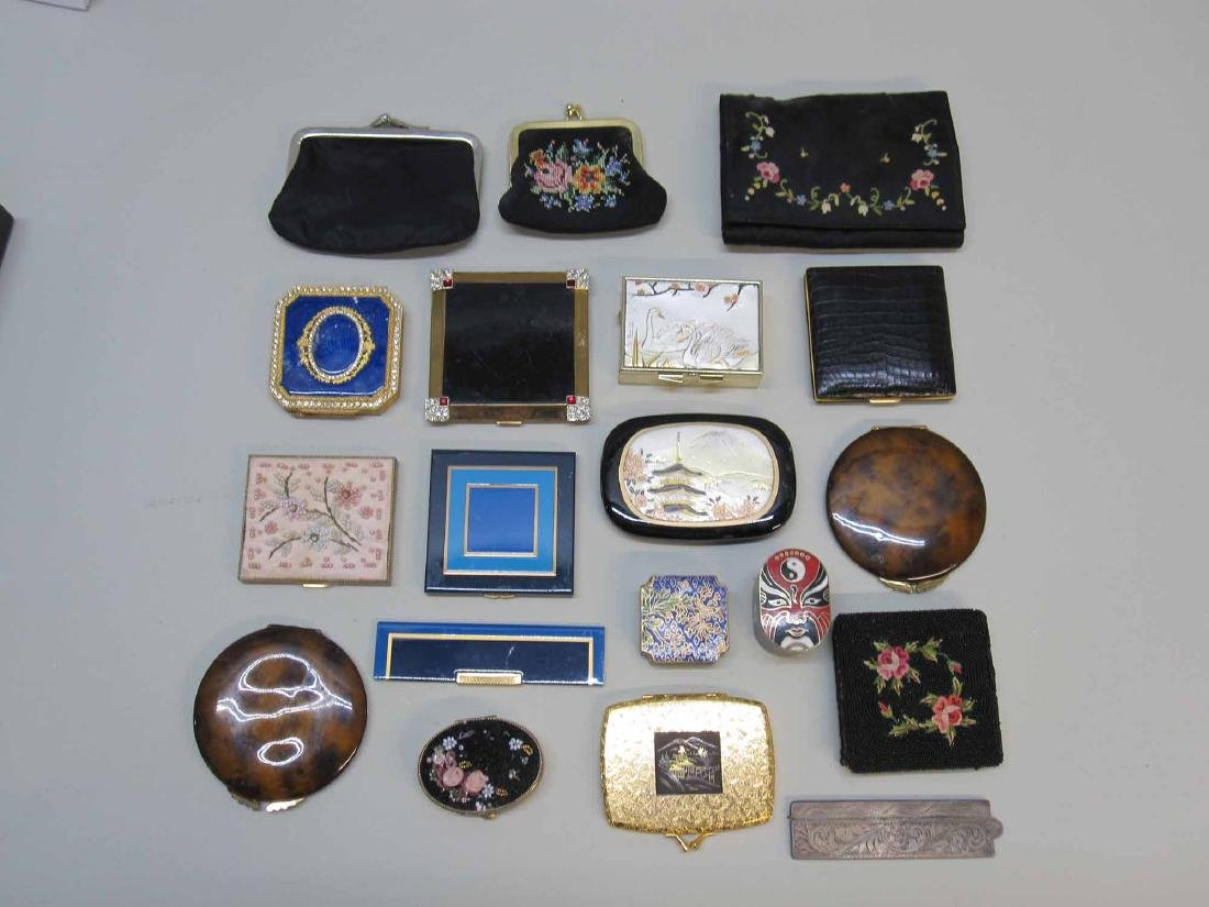 GROUP OF ASSORTED LADIES COMPACTS