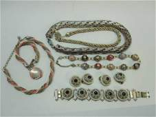 GROUP OF ASSORTED LADIES JEWELRY