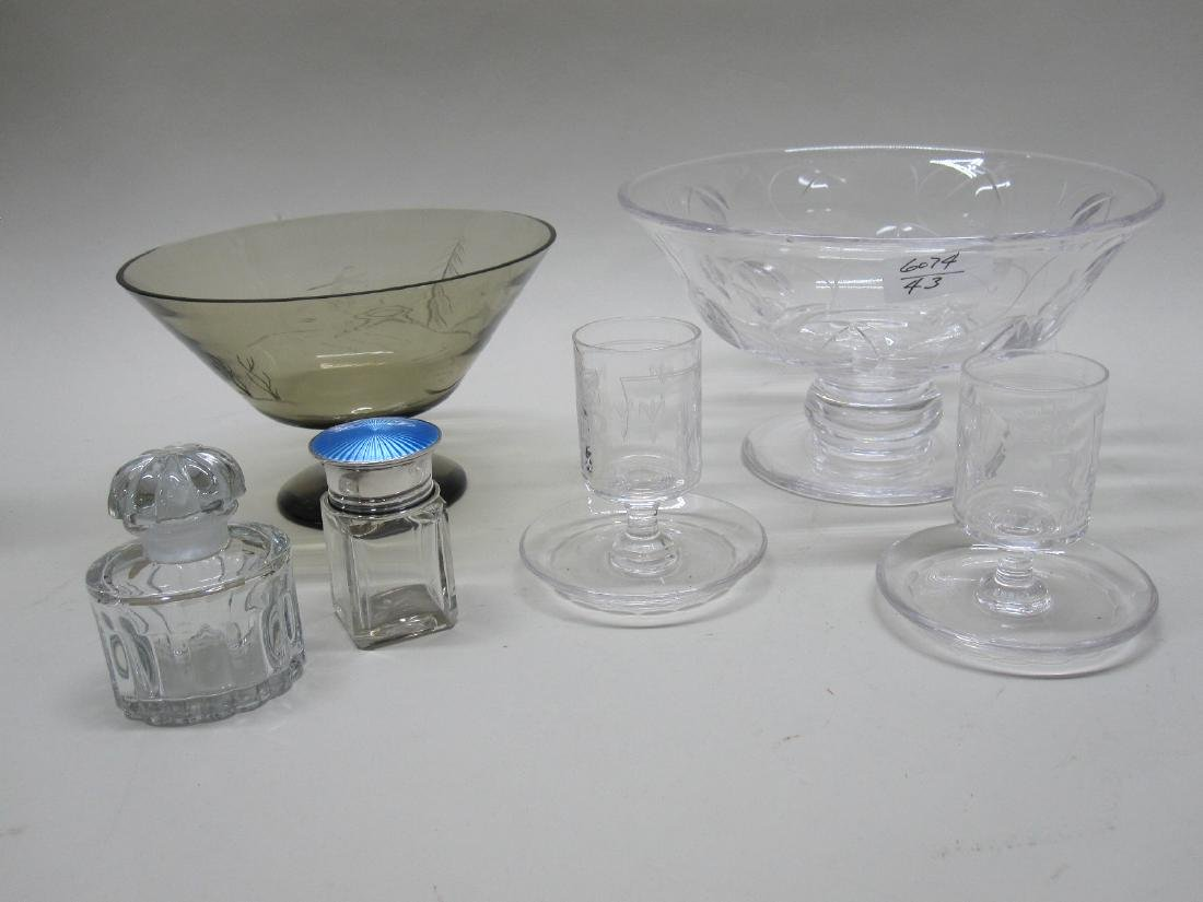 GROUP OF ASSORTED GLASS TABLE ARTICLES