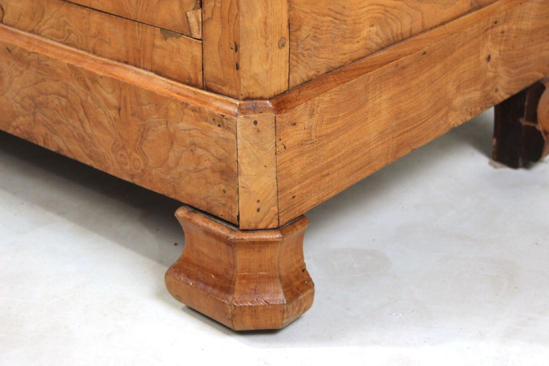 Biedermeier Figured Walnut Chest of Drawers - 2