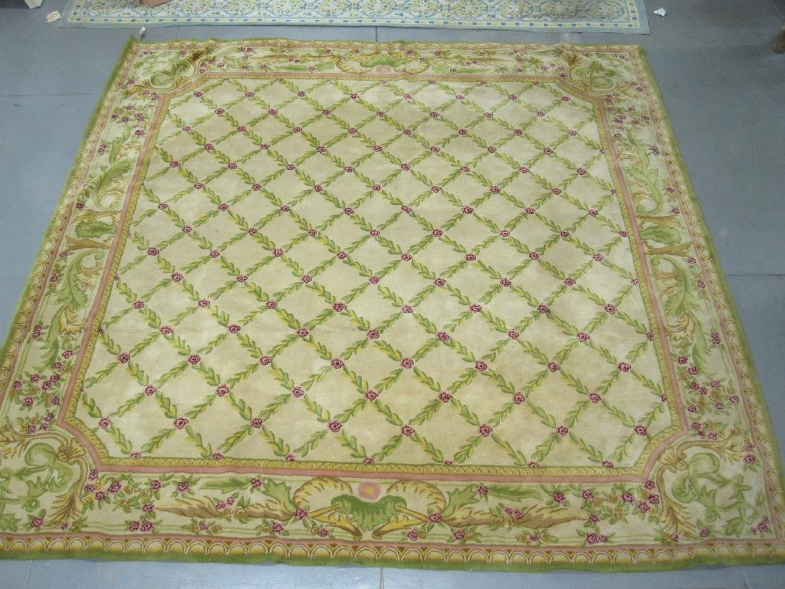 PHOENIX OVERSIZED FLORAL DECORATED CARPET