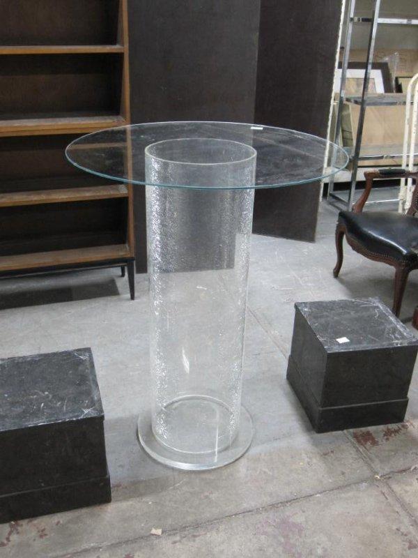 LUCITE COLUMN FORM COCKTAIL TABLE