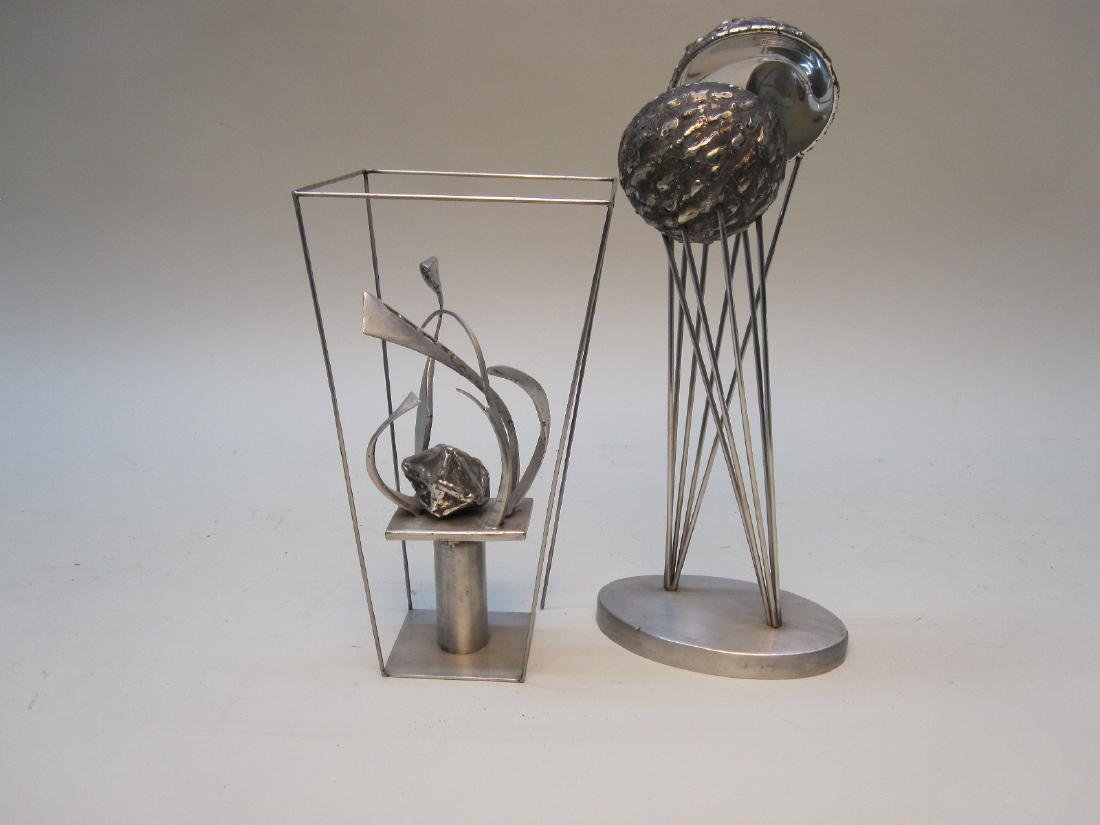 MODERN STAINLESS STEEL TABLE ART