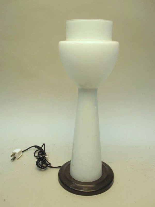 MID CENTURY MILK GLASS TABLE LAMP