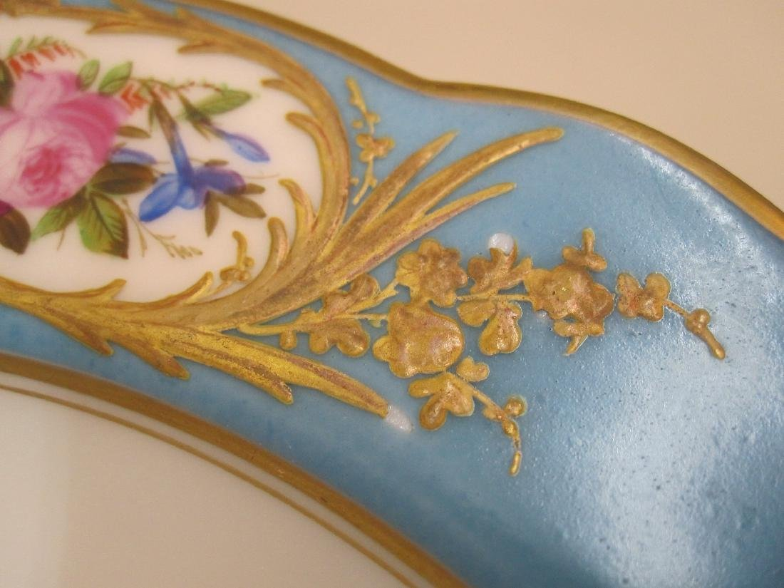 TEN BLUE GILT AND FLORAL DECORATED BOWLS - 4