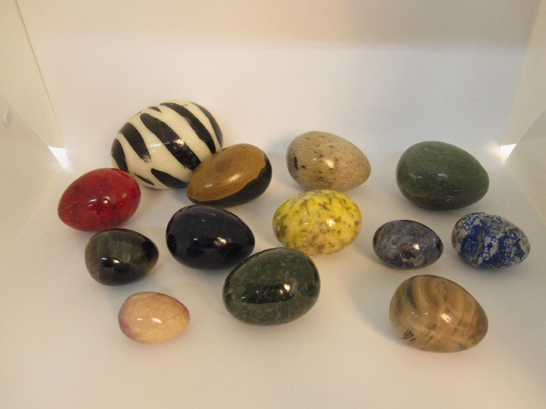 GROUP OF 13 ASSORTED STONE EGGS
