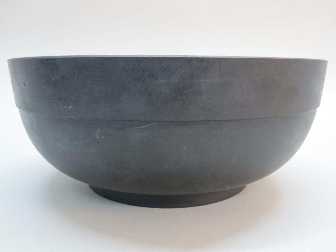 BLACK WEDGWOOD BASALT CENTER BOWL