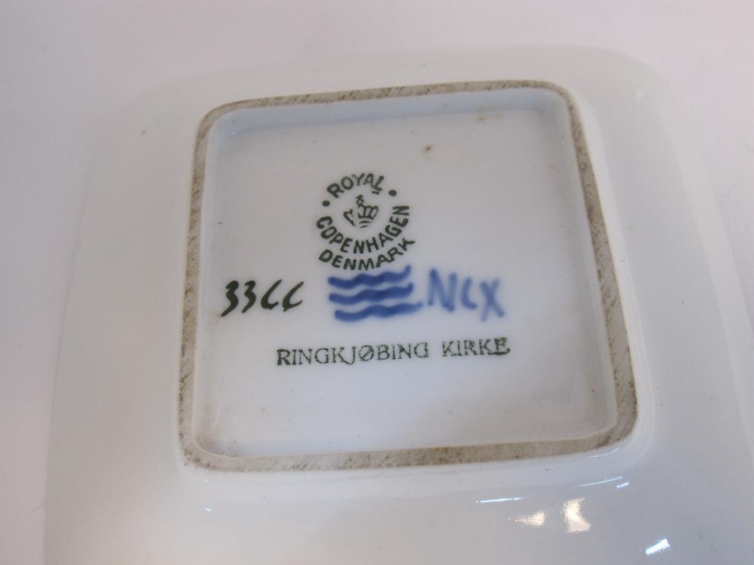 SMALL B & G VASE DENMARK - 4