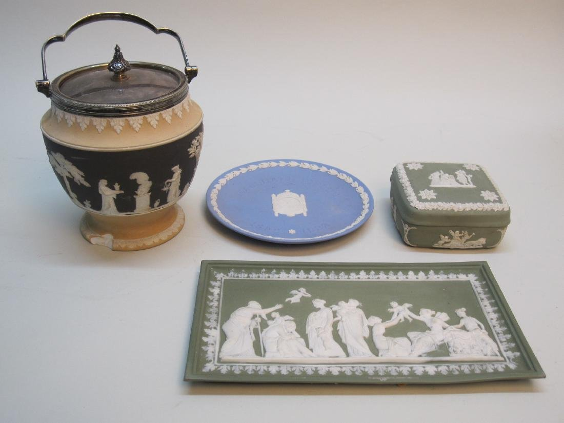 4 PIECES OF ASSORTED WEDGWOOD JASPERWARE