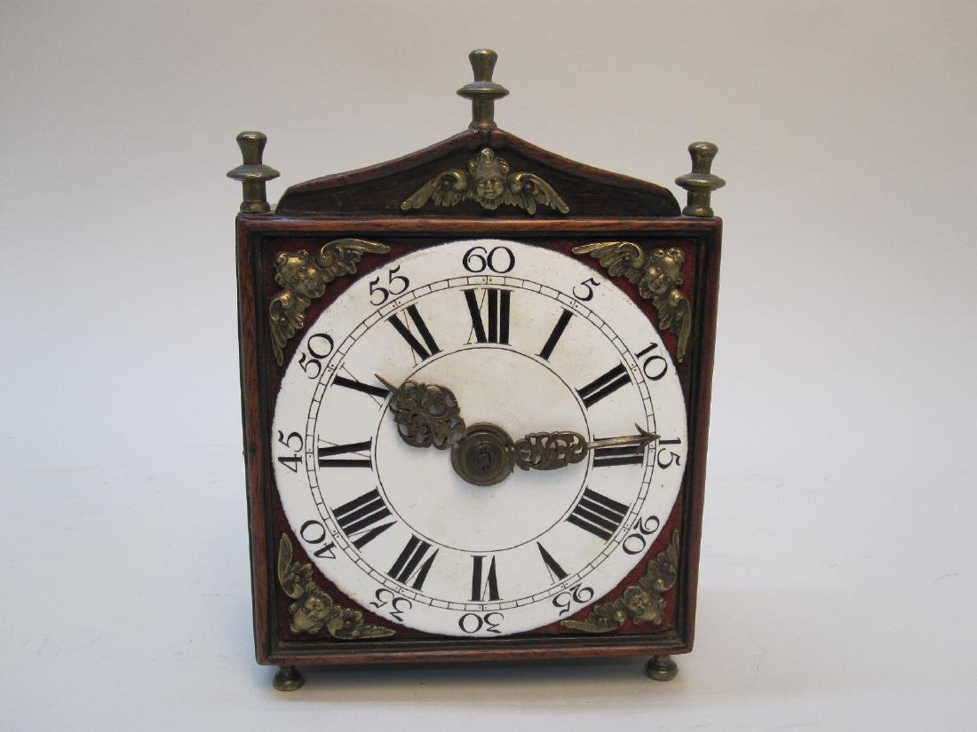 ANTIQUE WOODEN CARRIAGE CLOCK