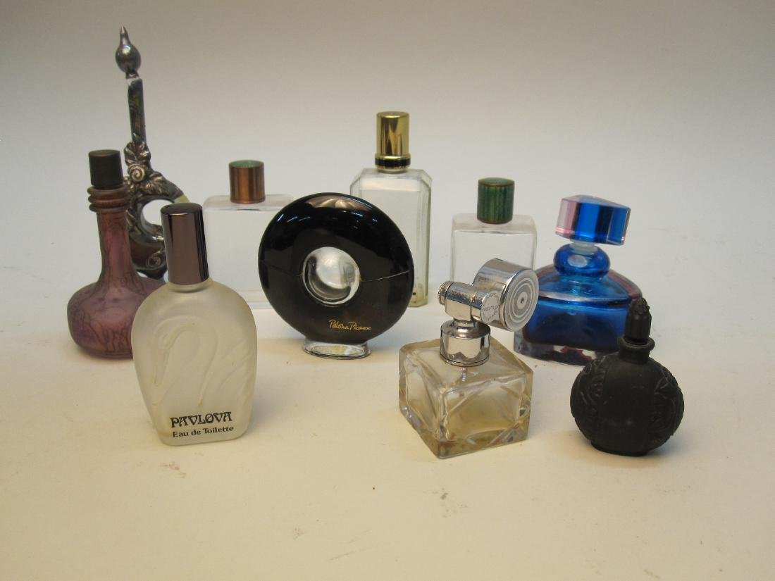 GROUP OF 10 ASSORTED PERFUME BOTTLES