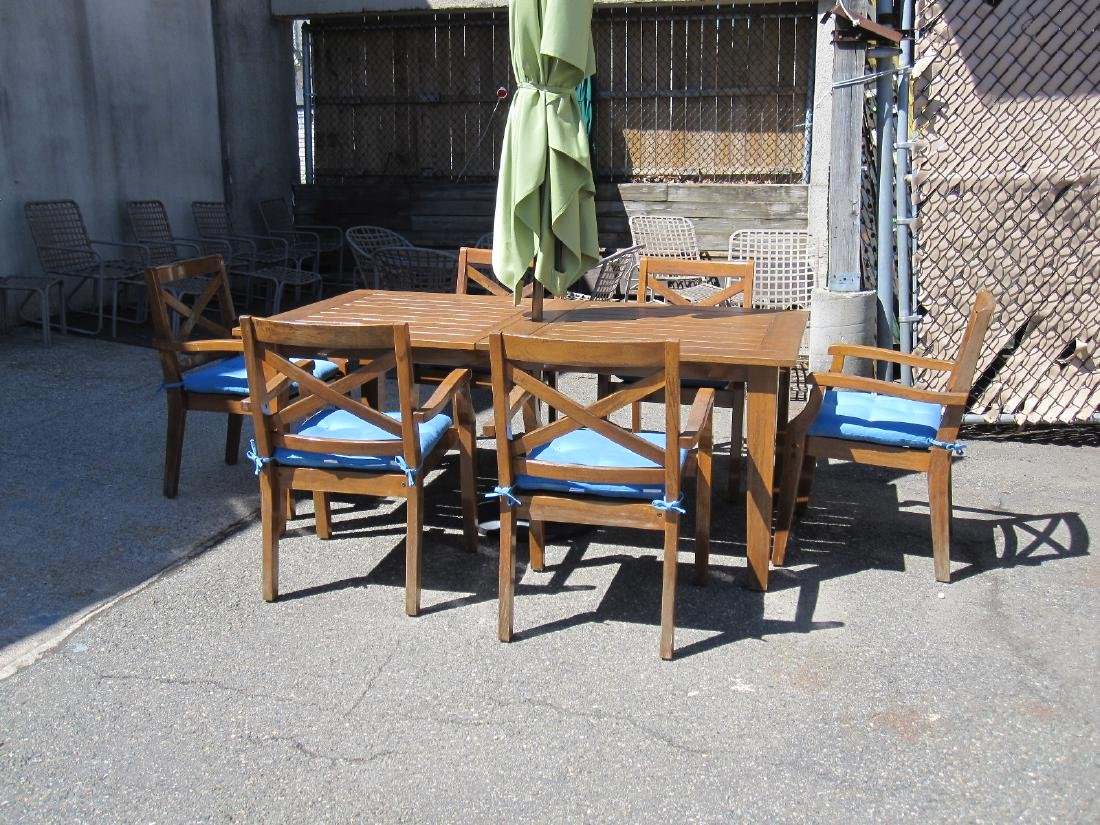 TEAKWOOD PATIO SET