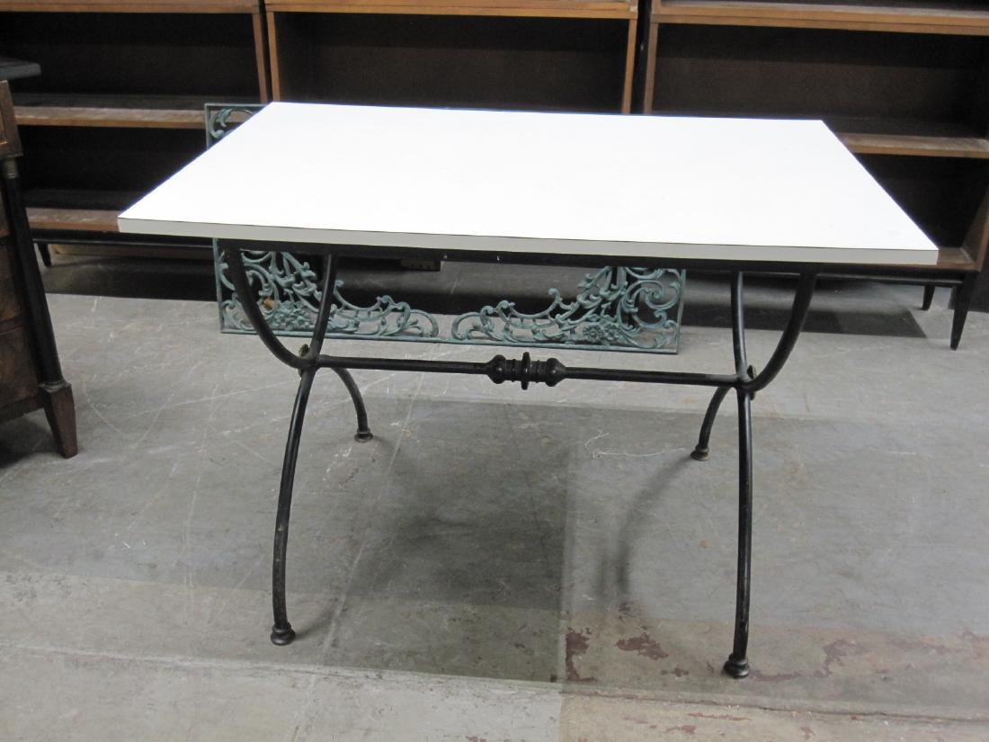 WHITE FORMICA TOP CENTER TABLE