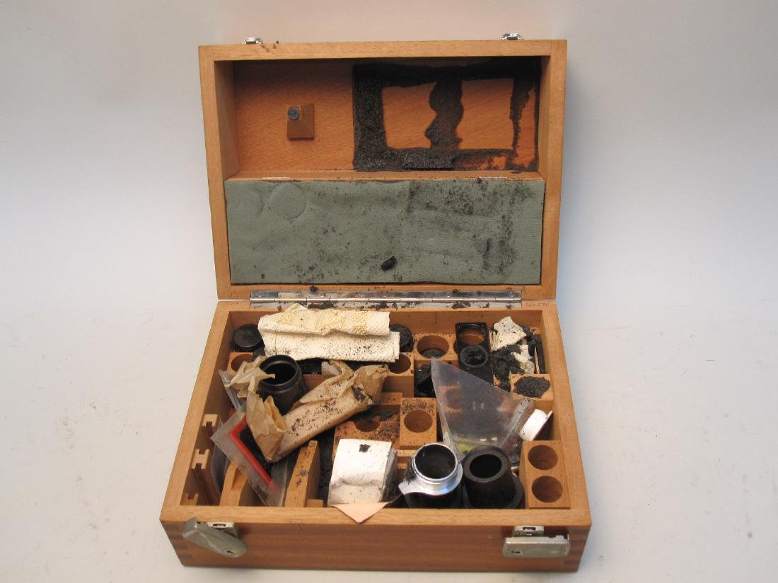 LIETZ WETZLAR BOX OF MICROSCOPE PARTS