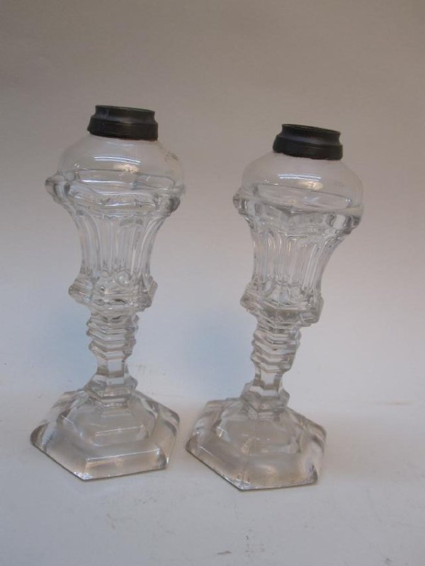 PAIR OF COLORLESS GLASS FLUID LAMPS