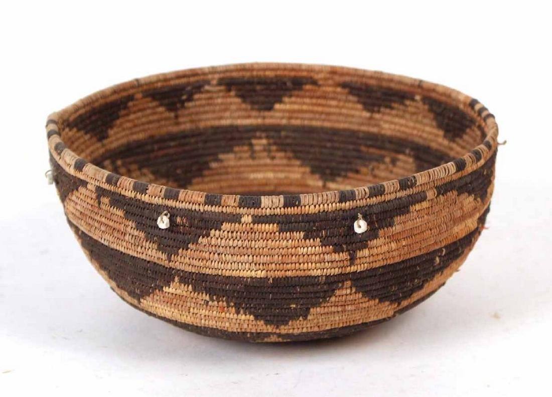 Pomo Shell Bead-decorated Round Basket