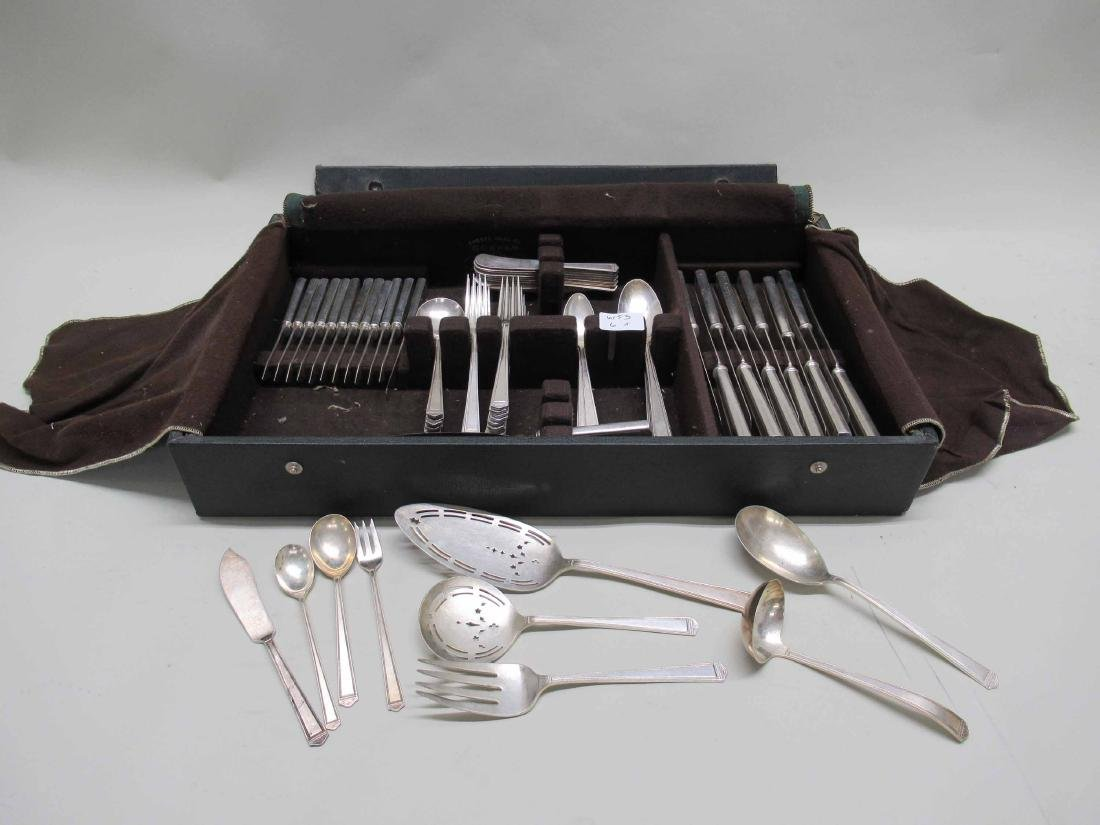 ROGERS BROTHERS SILVER PLATE FLATWARE SERVICE
