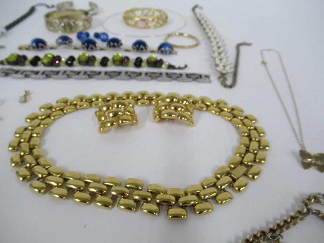Group of assorted costume jewelry - 4