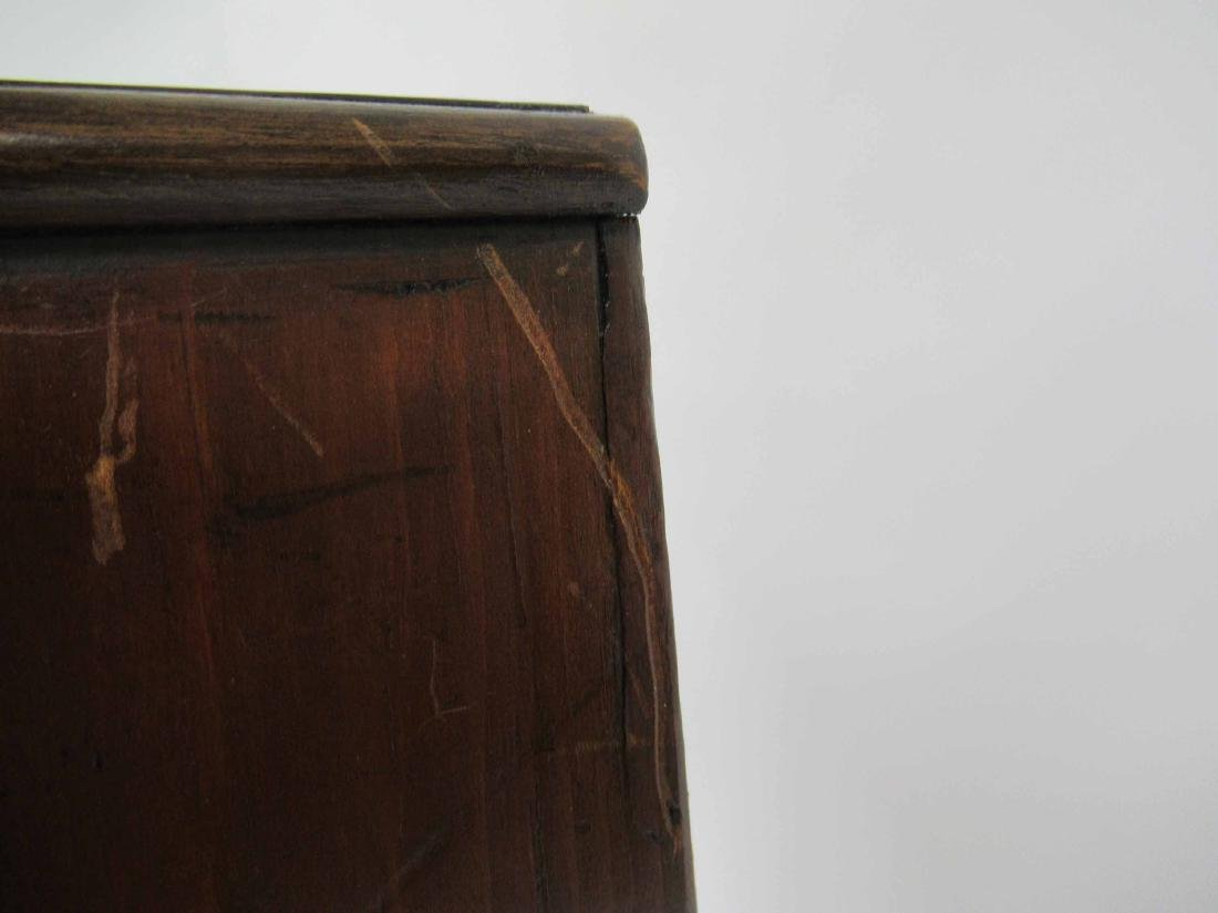 Mahogany Diminutive Bow Front Chest of Drawers - 7
